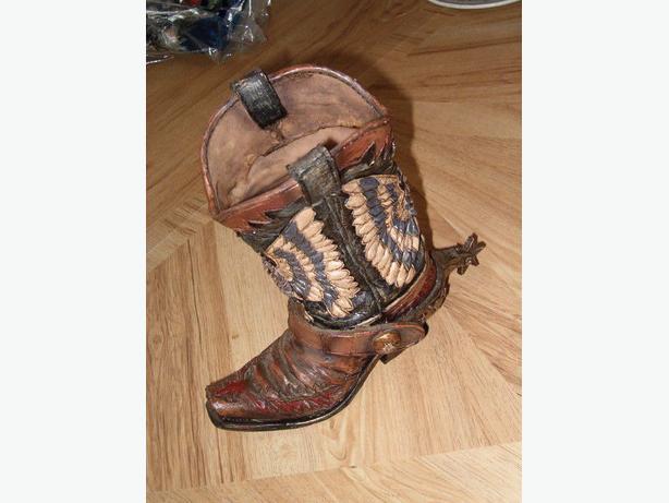 cowboy boot vase with spur flower vase,