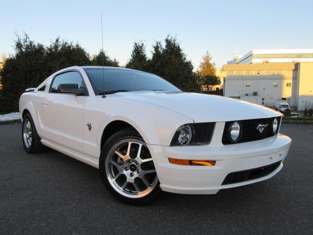 2009 Ford Mustang GT 45th Ann., Low Kms, 5 Speed, All Options