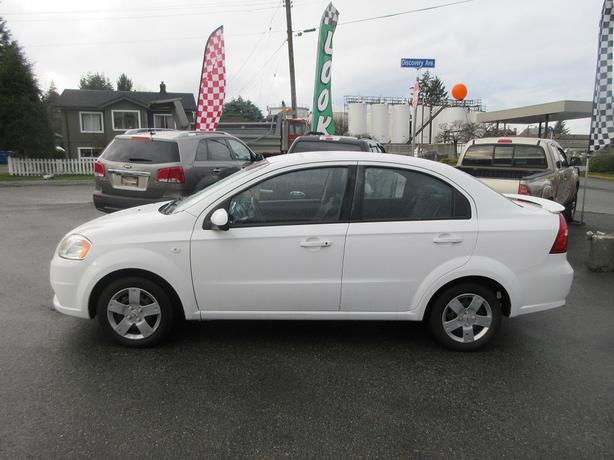 CHRISTMAS SALE! 2008 PONTIAC WAVE 2.0L I4-BC ONLY! LOW KMS! GREAT M+S TIRES!
