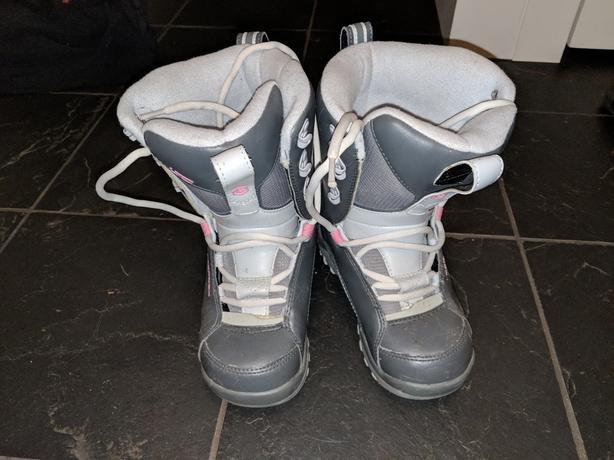 LTD snowboard boots size 5