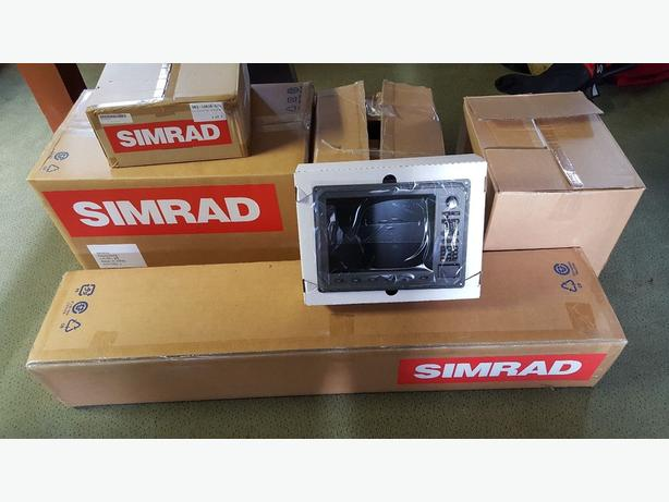 Simrad Open Array Radar With 3X 12 Inch Screens