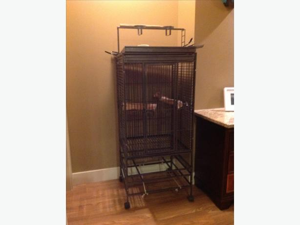 Large Bird cage (parrot size)
