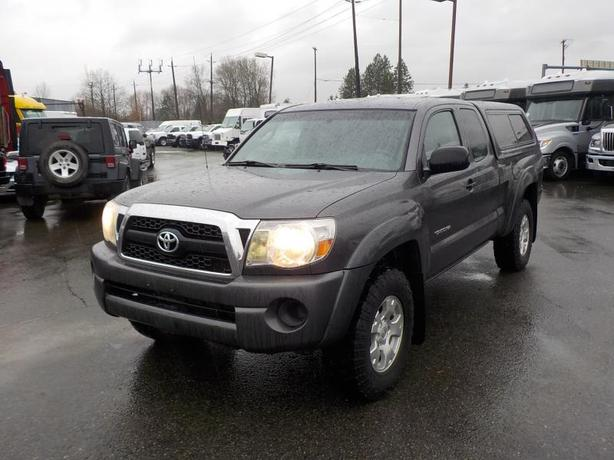 2011 Toyota Tacoma SR5 With Canopy 4WD