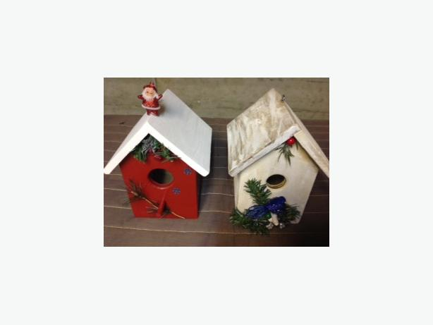 Christmas Birdhouses.Christmas Birdhouses Saanich Victoria