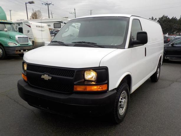 2007 Chevrolet Express 2500 Cargo Van w/ Bulkhead Divider
