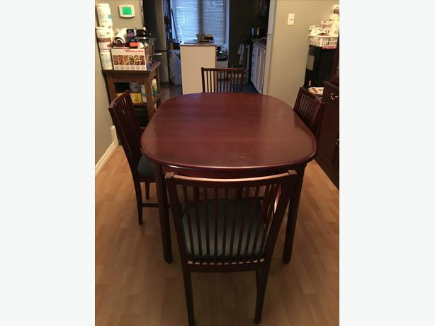 Dining Room Table, Buffet and China Cabinet Seats up to 10