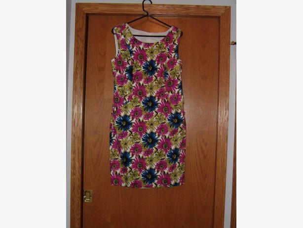 dress Cleo ,wrap- casual floral . bright color , size 10