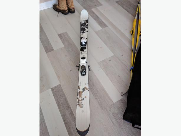 Rossignol downhill skis with Head bindings 171cm