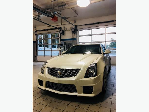 2011 cts v, 35,000 km's, automatic, will trade for Explorer