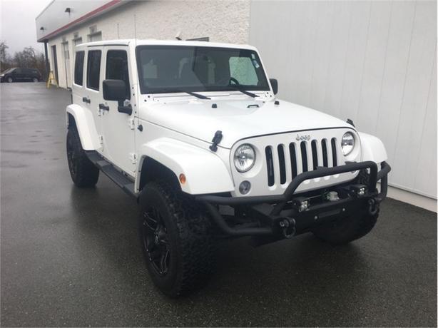 2014 Jeep Wrangler Unlimited Sahara  4x4 - Alpine Audio