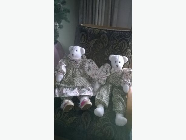 TEDDY BEARS (2 PRS available)