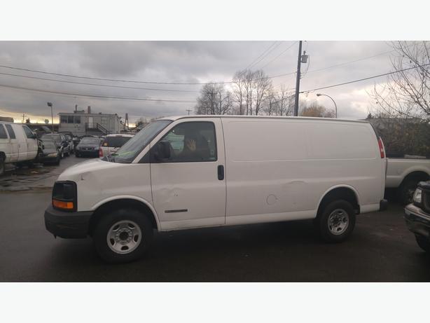 2005 GMC Savana G2500 Cargo Van.
