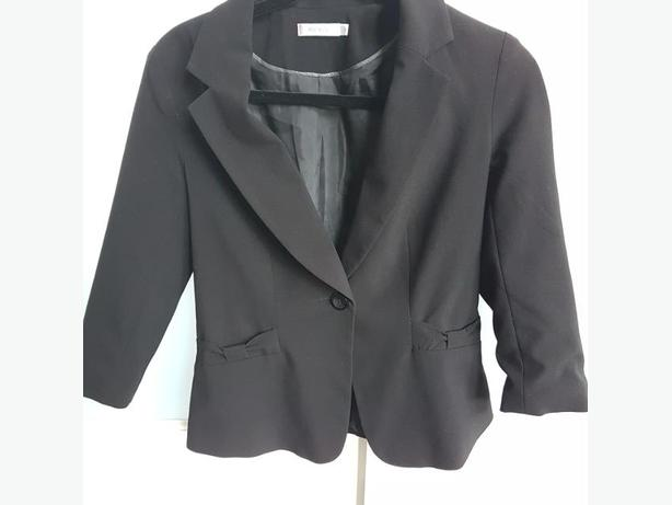 Cute Black Blazer w/ bow Details, new condition
