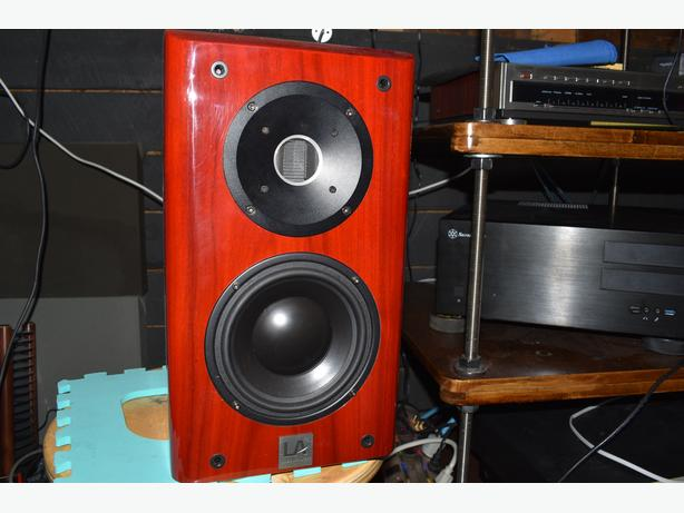 "Liberty Acoustics ""LA25"" Bookshelf Loudspeakers"