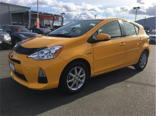 2014 Toyota Prius C Tech Package! One Owner! Low KM!