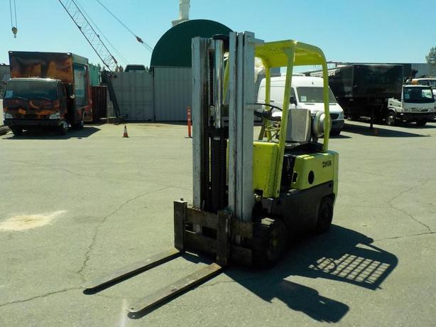 1999 Clark Three Stage Hydraulic Propane Forklift