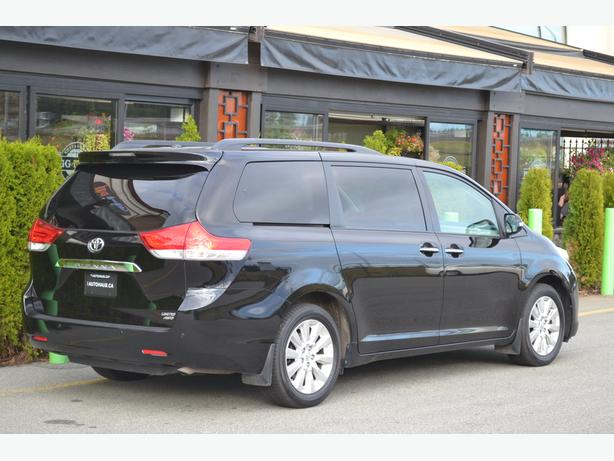 2014 Toyota Sienna Limited AWD //NO ACCIDENTS//LEATHER//