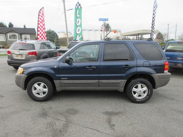 CHRISTMAS SPECIAL! 2002 FORD ESCAPE XLT 3.0L V6-LIKE NEW M+S TIRES!