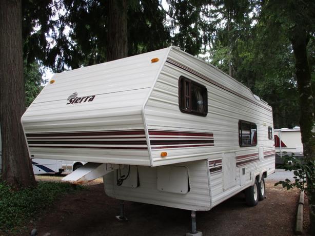 1992 Sierra 24 STK# DP16N963B