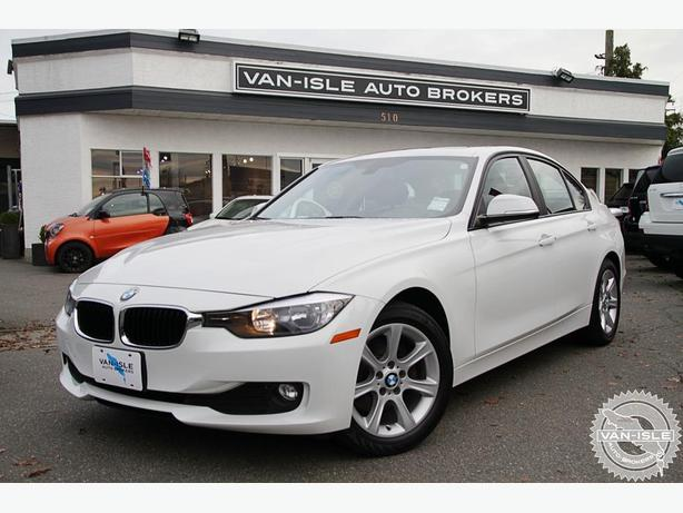 2012 BMW 320i Beautiful Car, Good Deal