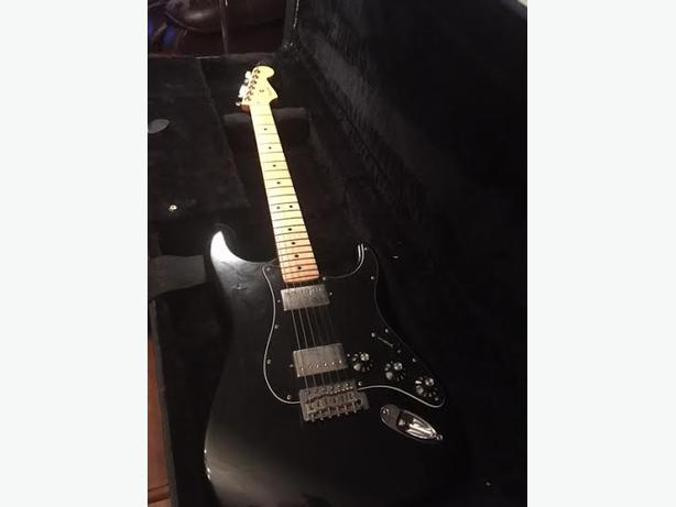 Fender Mexican Stratocaster -black, 2 humbucking pickups
