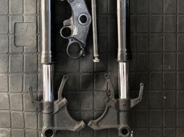 2005 R6 Forks