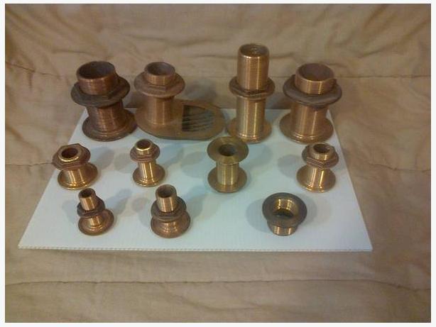9 Bronze thru hulls