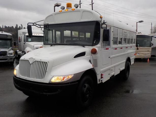 2009 International CE 300 21 Passenger Bus Diesel w/ Air Brakes