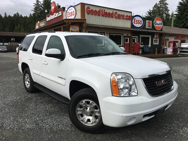 2008 GMC Yukon 4X4 -  3rd Row Seating with Leather and Sunroof!