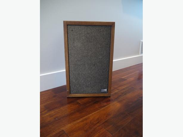 Vintage ProLinear Speakers Fantastic Sound