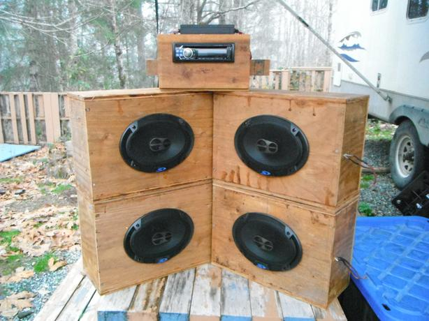 Alpine Car Stereo, Amp and 4 6x9 speakers