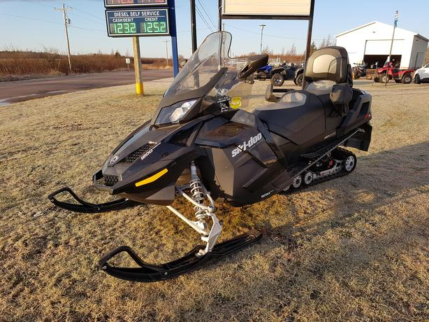 2015 Ski-Doo Grand Touring 1200 - Excellent Condition - Financing Available