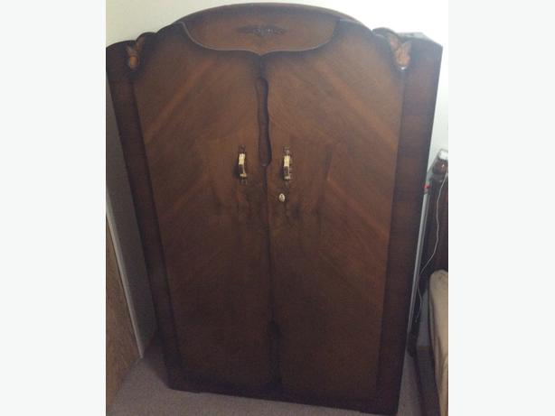 Art Deco Wardrobe in very good condition