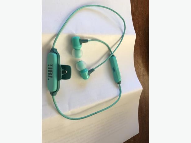 Bluetooth JBL Earbuds
