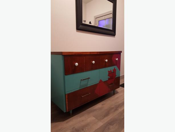 Canadian Dresser