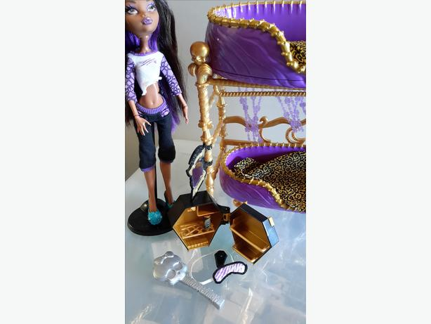Monster High Clawdeen Wolf Dead Tired set