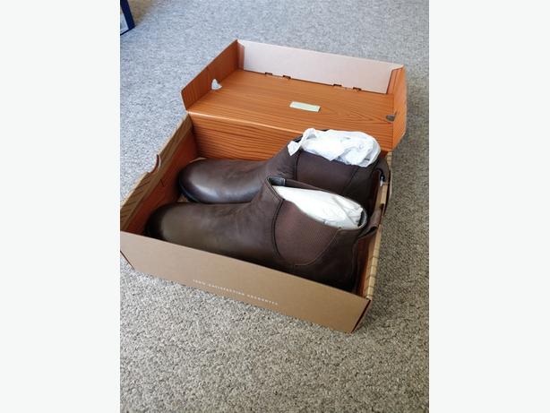 Bogs Boots: Men's Cruz Chelsea (Size 12)