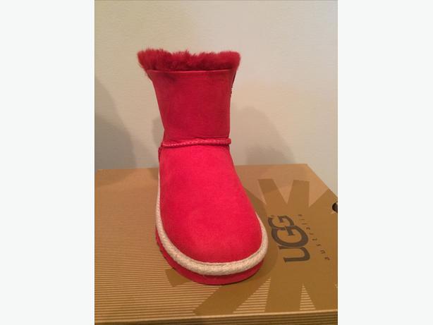 UGG Kids Selene Boots Size 13  US,  (30 EU, 12 UK) NIB