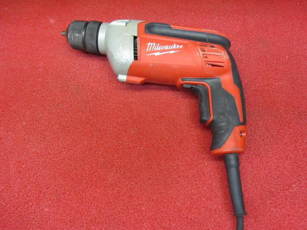 Milwaukee Tradesman 0240-20 three eights 8 amp corded drill