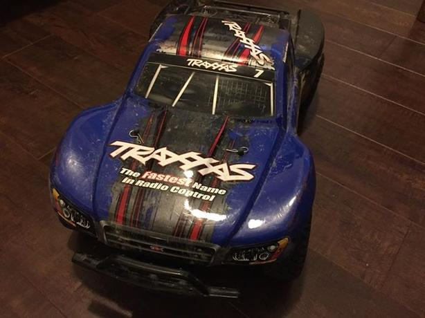 1/10 Brushless Traxxas Slash 4x4