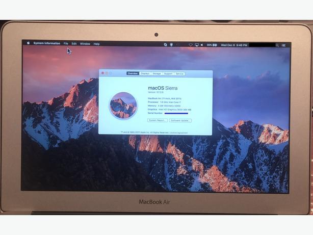 """Macbook Air 11"""";  1.8 Ghz i7;  4GB RAM;  256 GB SSD"""