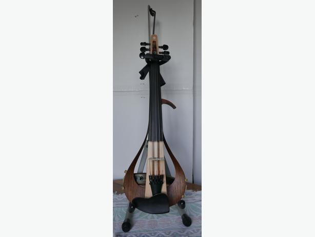 Yamaha 5 strings  electric violin