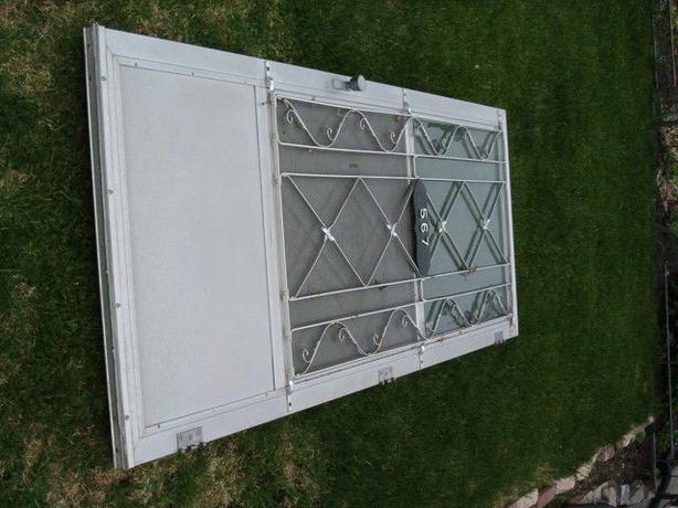 door -house outside , alum door with the frame panels