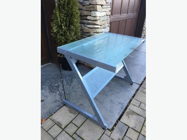 FREE: Tempered Glass Desk