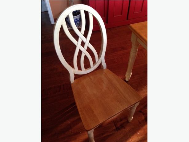 (price down) Solid Wood Dining Table w/ 1 Leaf & 6 Chairs