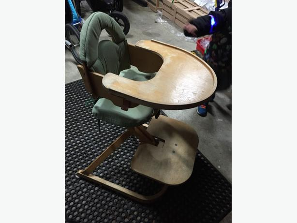FREE: high chair