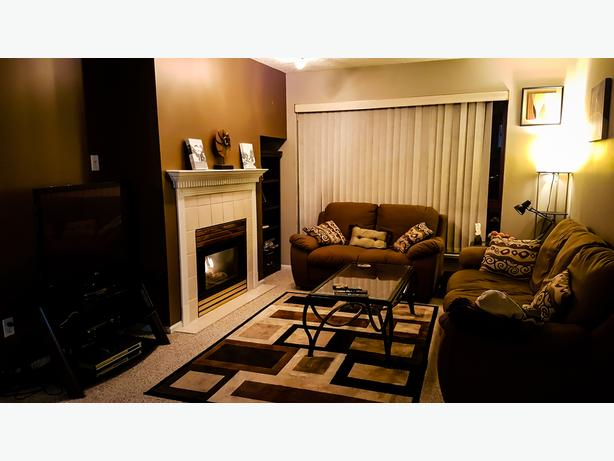 2 Bed, 1.5 Bath Fully Furnished Corner Suite in Victoria City
