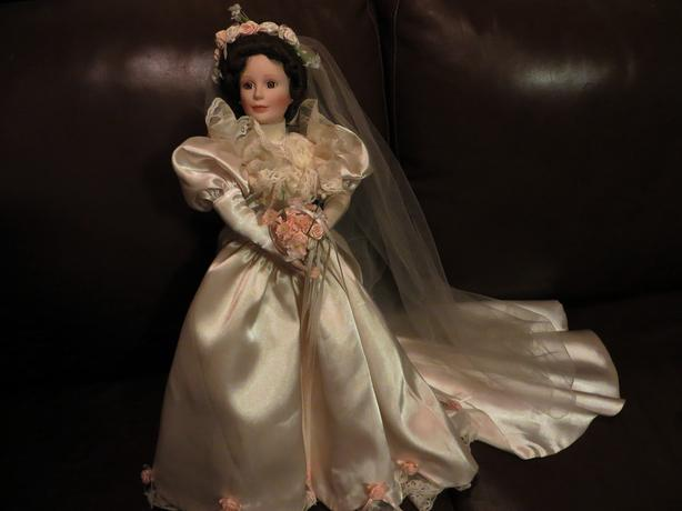 Bride Doll beatiful with long train