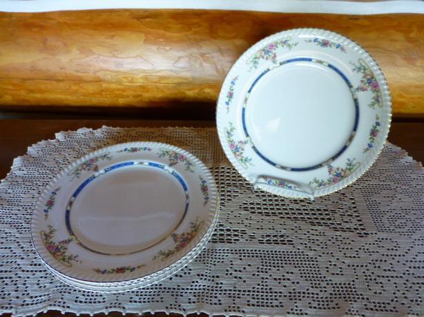 Vintage Old English Johnson Bros Dinner Plates  - REDUCED