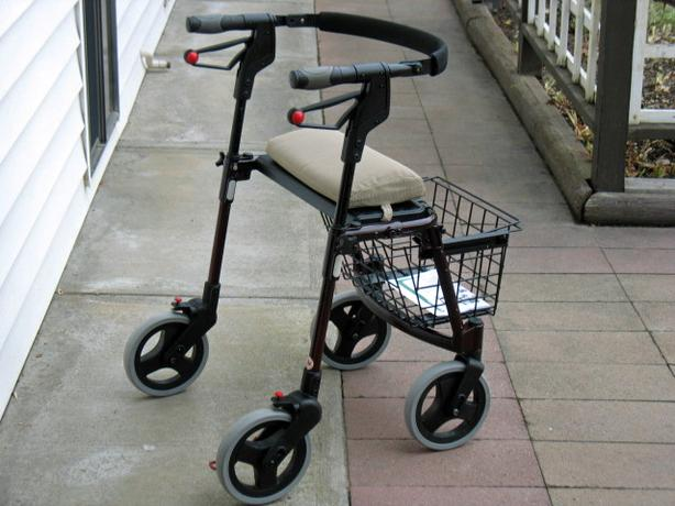 "DANA DOUGLAS INFINITI 500 ""CABLE-FREE"" ROLLATOR WALKER FOR SALE"